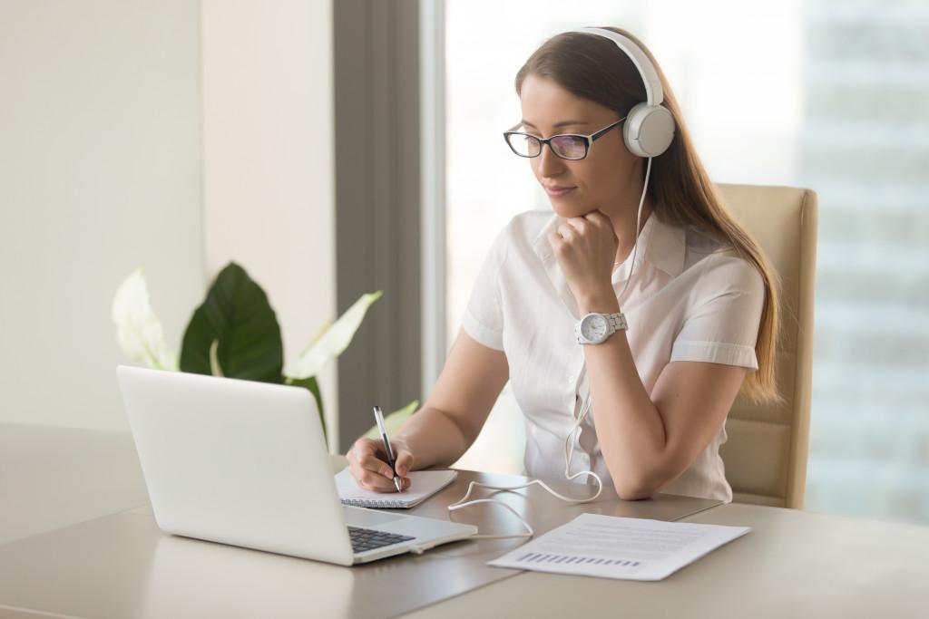 Female having an online class
